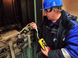 текущий ремонт лифтового оборудования